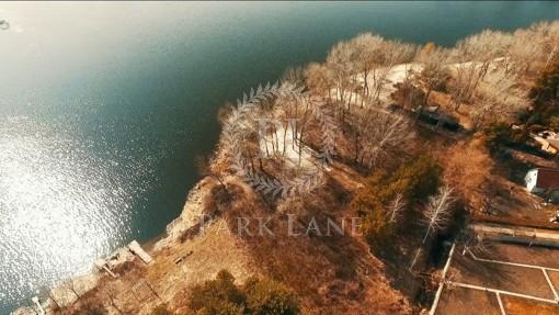 Land Zahidna, Vyshenky, R-15129 - Photo