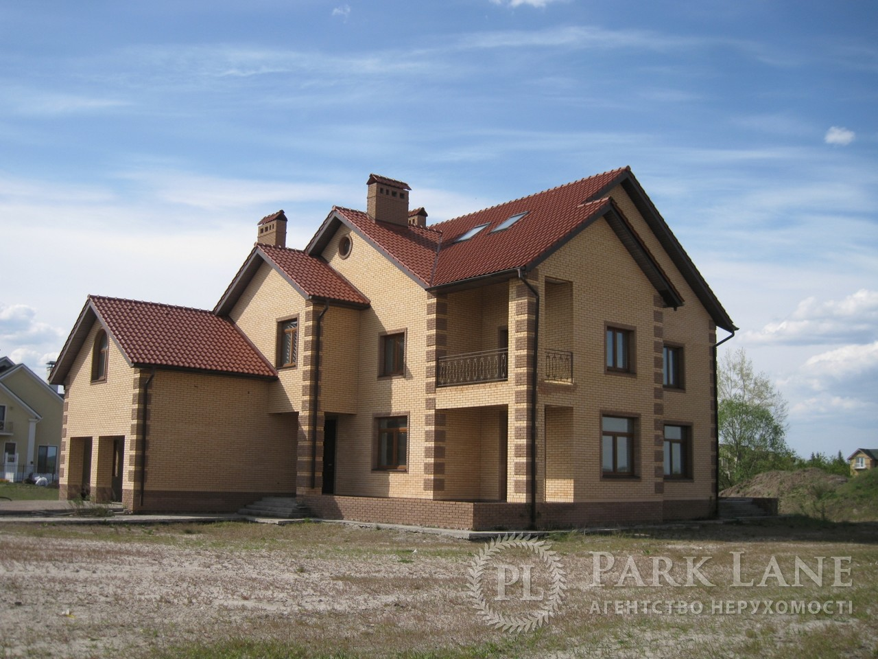 Дом I-24303, Набережная, Вишенки - Фото 1