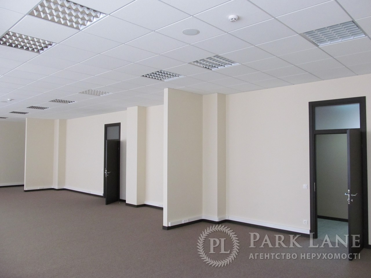 Бизнес-центр, ул. Хмельницкого Богдана, Киев, D-25489 - Фото 4